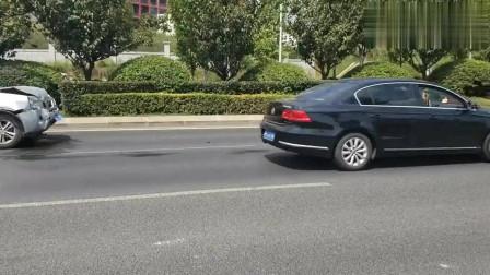 汽车:日产追尾沃尔沃,质量安全果然不是吹的,差距一目了然