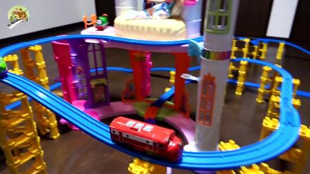 托马斯火车和芭比娃娃之家玩具