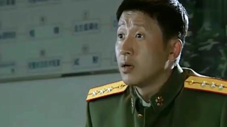 士兵突击:连长正在给新兵上课,许三多被点名回答问题!