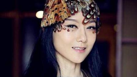 杨丽萍10年都没摘帽子,本以为是装饰,她摘下帽子时,被吓到了