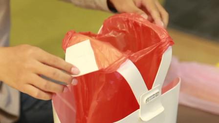 """1个垃圾桶能省上万元垃圾袋?小伙发明""""环保""""垃圾桶,真省钱!"""