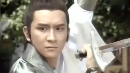 射雕英雄传:裘千仞闯天罡北斗阵,郭靖:怎么他的功夫厉害起来