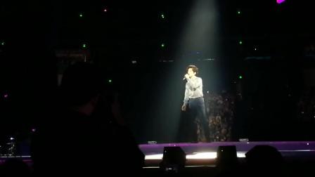 李健深情献唱《红豆曲+一生所爱》这才是真正的民谣演唱会,好听
