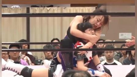 日本女子摔角:台上非常混乱,这到底是几打几啊,我都看不懂了!