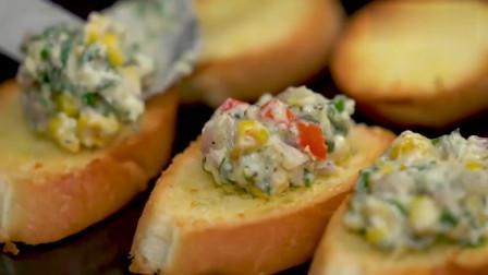 加了菠菜与奶酪做成的烤吐司甜点,好想张大嘴咬一口