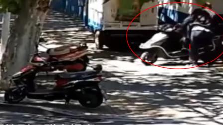 马鞍山:男子偷电动车, 停派出所门口防盗