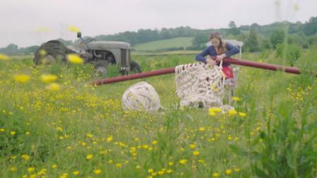 世界上最长的织衣针,一根有4.4米长,出来的围巾能当被子用!