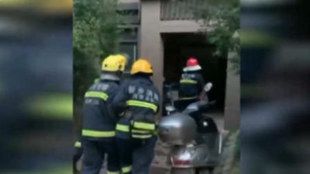 出生9天婴儿被困火场 ,消防员让出面罩成功救援