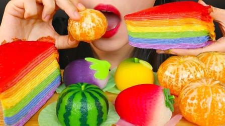 美女吃一桌炫彩的美食,美轮美奂的创意造型,网友:颜色被惊艳到!