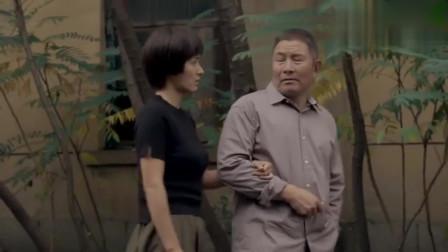 娘亲舅大:女儿埋怨父亲是妻管严,网友-谁让你妈太强势了