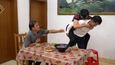儿子给父亲找了个老伴,没想老伴突然瘫痪,结局让人感动