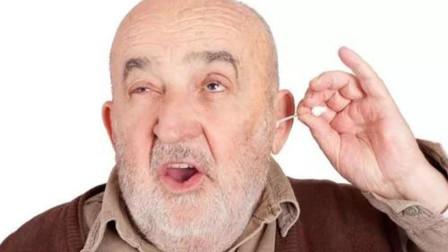 耳朵发痒,却掏不出耳屎?也许是这2个因素在作怪