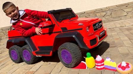 好奇怪!萌宝小正太为何要用汽车压过玩具?趣味玩具故事