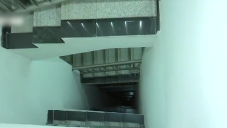 2岁男童从医院11楼梯井坠落身亡 医院曾急救9小时