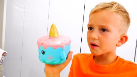 萌娃小正太给谁做的生日蛋糕呢,为什么看起来小正太愁眉苦脸的呢?
