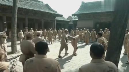 亮剑:李云龙用跑步的方法甄别出大官,常乃超:鄙人不善于奔跑!