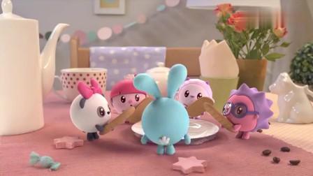 瑞奇宝宝:跳跳在寻找吃的,找到了好吃的饼干,却还想着朋友们!