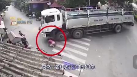 红衣女子来到货车旁边,随后的举动太可怕,货车司机出一身冷汗