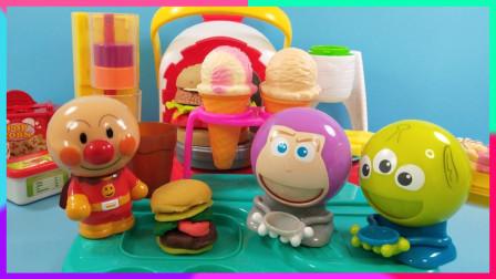 面包超人的快餐汉堡店,非常受玩具们的欢迎