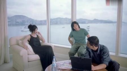 郑伊健和陈慧琳在这部电影里真是绝配,眉来眼去的尽是暧昧气息