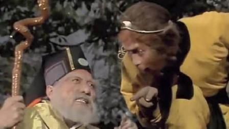 孙悟空为什么老是欺负土地公?你看他被压五行山时候,这名土地神做了啥!