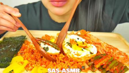 吃播微笑姐,试吃煎蛋和香辣炒饭,海苔卷着吃太香了吧