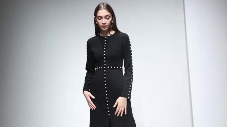 2019冬装新款 欧美时尚圆领长袖珍珠收腰前开叉赫本风一步连衣裙