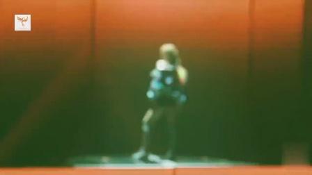 人间芭比Lisa的神级舞台表演,炸裂现场!