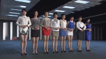 火凤凰:一向军装打扮的女兵,换上裙子和高跟鞋,个个都是大美女