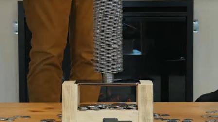 iPhoneXS韧性有多强?小哥用1500枚硬币向它施压,小编:心疼!