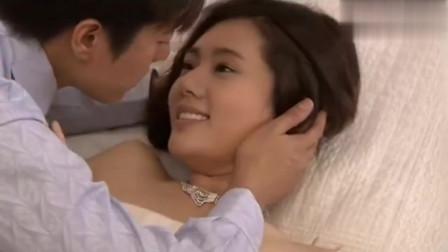 看到秋瓷炫穿着白色的摸胸白裙,老公情不自禁的抱起了她