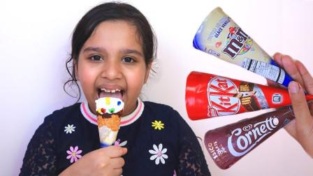 萌萌可爱的小萝莉尝试冰淇淋