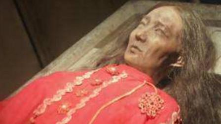 连云港出土古墓,女墓主衣着华丽千年不腐,专家开棺:绝代佳人
