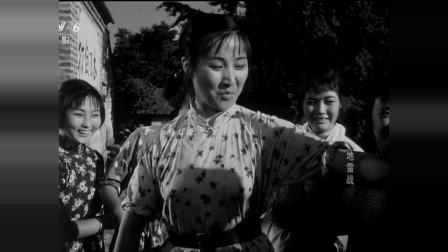 地雷战中美女演员的五大片段,人清纯,恋爱也含蓄