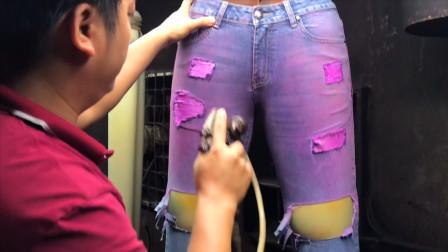 新买的牛仔裤总有破洞,原来是在工厂被这样搓出来的,长知识了