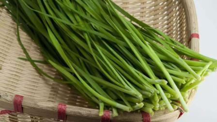 韭菜盒子最简单的吃法,不发面不饧面,皮薄馅大,儿子超爱吃!