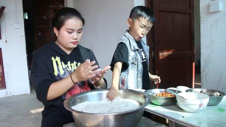贵州梅子做糯米粑粑,有豆沙馅酥麻馅酸辣豆腐馅,好有食欲哦