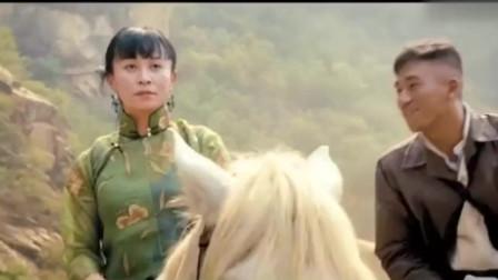 麻匪和师爷的对话都是那么精彩又看点,讲出当县长最重要的是忍耐!