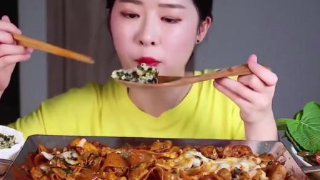 大胃王:吃炒宽粉,大口大口的吃太爽了