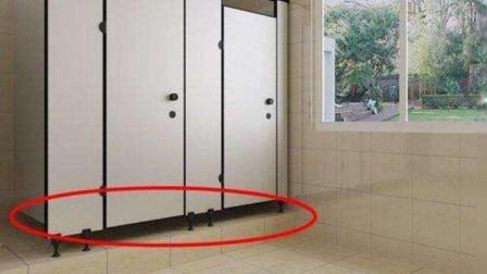 为何公共女厕所门底故意留条缝?还有这作用,女生别羞与了解
