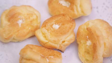 泡芙造型小巧,表皮酥脆,一口咬下去,嘴里就被塞满了浓浓的奶油