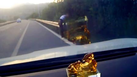 【重庆】男子为骗保伪造现场 行车记录仪拍下全过程