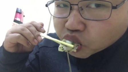 郑州西郊清真小店,20个牛肉锅贴才15元钱,汤汁多的咬下后直接爆出
