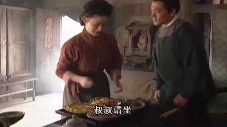 水浒传:潘金莲对武松格外热情,让他搬到家里住,武松好开心!