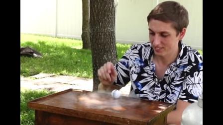 液氮注入乒乓球会出现什么现象?高速旋转根本停不下来,太神奇了