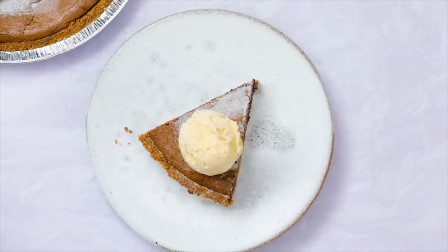 甜点界的王者冰淇淋巧克力蛋糕,如此制作的美食,你说卖多少钱