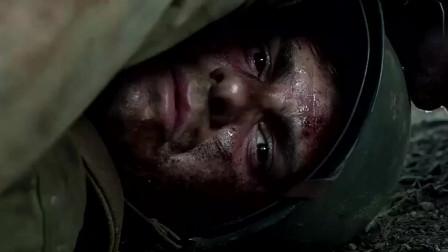 """血战钢锯岭:小伙""""遁地""""躲过敌人扫荡,医疗兵这招真是绝了!"""