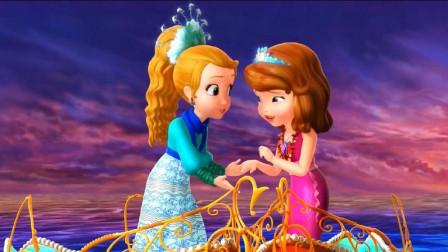 小公主苏菲亚-苏菲亚穿着浅蓝色的公主裙,为爸爸妈妈表演唱歌!