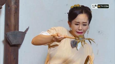 节目组安排海陆、黄小蕾做饭,海陆却被几个螃蟹玩坏了,被萌哭了