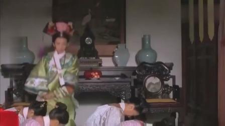 甄嬛传:祺嫔为争宠装病,还责打宫女,不料被皇上逮个正着!